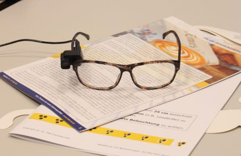 Brille mit Orcam am Bügel