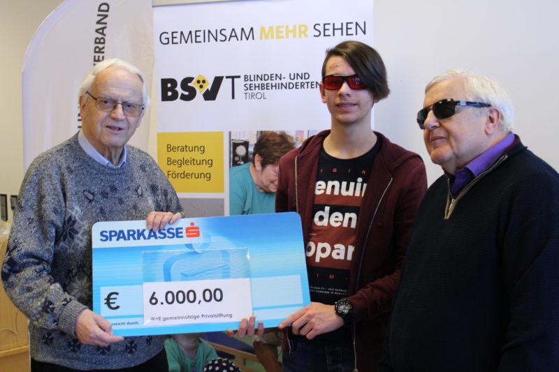 Von links: Dr. Walter Philipp, Silvan Schranz, Obmann Klaus Guggenberger © Foto: BSVT/Jandrasits