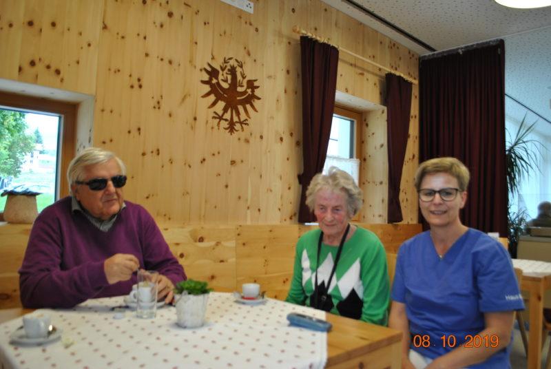Haus Maria, Natters, BSVT Obmann Klaus Guggenberger,  BSVT Mitglied und Bewohnerin Maria Hautz, Pflegedienstleiterin Rosmarie Jäger