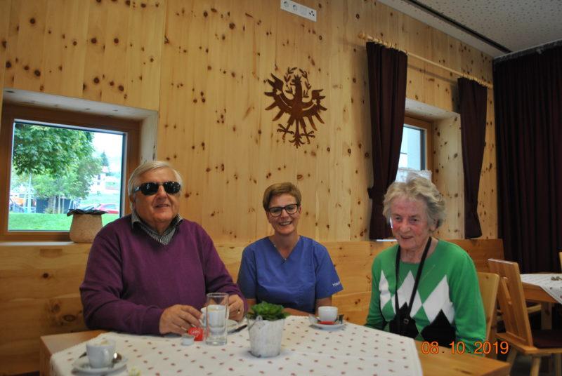 Haus Maria, Natters, BSVT Obmann Klaus Guggenberger, Pflegedienstleiterin Rosmarie Jäger, BSVT Mitglied und Bewohnerin Maria Hautz