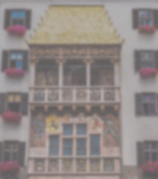 Sicht mit grauem Star aufs goldene Dachl